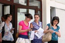 Aproape 9.000 de candidaţi susţin proba scrisă a examenului naţional de DEFINITIVARE