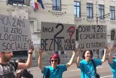 Gabriela Firea, primarul paralel cu Bucureştiul. Protest în faţa Primăriei Capitalei