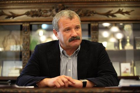 Un director din Direcţia Silvică Suceava, REŢINUT după ce a LOVIT MORTAL o fetiţă pe trecerea de pietoni