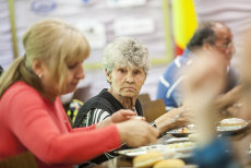 O mie de pensionari vor merge în TABĂRĂ ÎN GRECIA pe banii bucureştenilor. Care sunt condiţiile pentru excursie