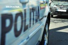 O femeie, lovită de o maşină a Poliţiei. Tramvaie blocate în zonă