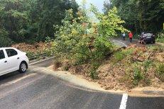 Alunecare de teren pe DN 7, în Argeş. Traficul rutier este restricţionat