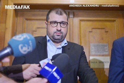 Fost ofiţer SRI, SCENARIU CONSPIRAŢIONIST: Circulă informaţii că în grupurile de INSTIGATORI se aflau cetăţeni care nu vorbeau limba română. Sunt implicate forţe de afară.