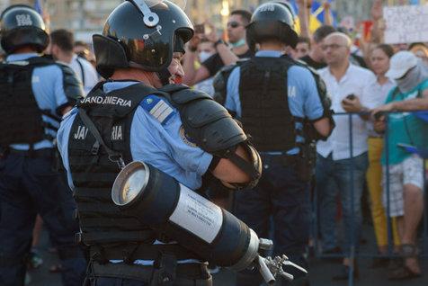 Certificate MEDICO-LEGALE pentru 68 de protestatari. Cei agresaţi de forţele de ordine vor face plângeri penale