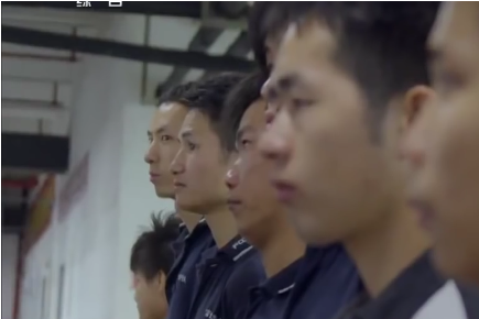 Trei bărbaţi bănuiţi că ar fi RECRUTAT tinere pentru a se CĂSĂTORI cu cetăţeni ASIATICI, arestaţi în urma unor percheziţii