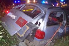 Un tânăr a murit, iar alţi doi sunt în stare gravă, după un accident produs de un şofer BĂUT şi FĂRĂ PERMIS