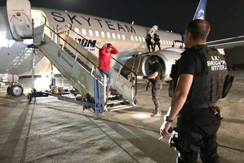 ATAC TERORIST la bordul unui avion TAROM. Cum s-a descurcat SRI în situaţia de URGENŢĂ