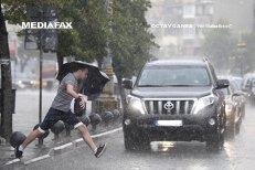 PLOI, intensificări ale vântului şi descărcări electrice în toată ţara. Avertizare cod galben de INUNDAŢII pe râuri din 14 judeţe