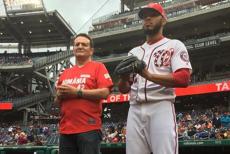 George Maior a dat lovitura de începere la un meci de baseball. CENTENARUL, aniversat pe stadionul Washington National
