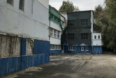 Primăria, REPETENTĂ la refacerea şcolii cu tavanul căzut. Unitatea care a ars a fost DEMOLATĂ. Peste 1.000 de elevi sunt afectaţi