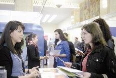 EXODUL materiei cenuşii. IntegralEdu: 40.000 de tineri români studiază peste hotare. Care sunt destinaţiile preferate