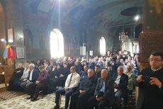 Preoţii şi politicienii din Prahova, la BISERICĂ pentru a discuta despre referendumul privind redefinirea familiei