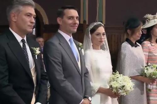 Nunta principelui Nicolae cu Alina Binder. Sute de oameni au întâmpinat alaiul de nuntaşi cu flori şi cu stema casei regale