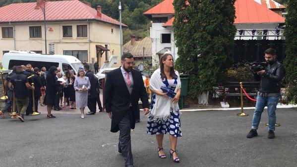 Invitați sosind la nunta regală