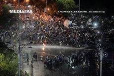 Un nou PROTEST VIOLENT, la sfârşitul lui octombrie. Liviu Dragnea acuză Parchetul general că anchetează doar violenţele jandarmilor
