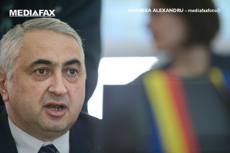 Valentin Popa, fostul ministru al Educaţiei: LIMBA ROMÂNĂ este ÎN PERICOL în clasele minorităţilor naţionale