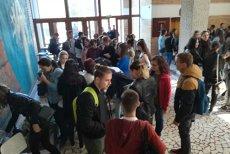 Primire INEDITĂ. Vânătoare de COMORI organizată pentru ca BOBOCII să afle SECRETELE campusului