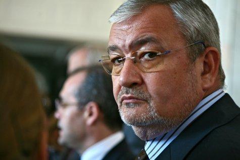 DNA pune SECHESTRU de 4,5 MILIOANE de euro pe bunurile inculpaţilor din dosarul lui Sebastian VLĂDESCU