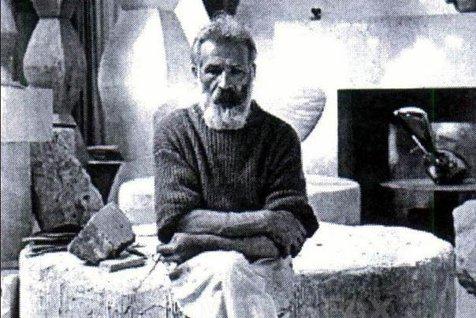 Casa din Hobiţa în care s-a născut Constantin Brâncuşi S-A PRĂBUŞIT. A fost ABANDONATĂ într-o stare avansată de DEGRADARE