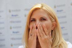 Elena Udrea are dreptul să-şi vadă BEBELUŞUL numai în penitenciar, DE DOUĂ ORI PE ZI, pentru a-l alăpta