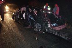 Moda LIVE PE FACEBOOK ucide din nou! Şoferul unui Audi loveşte cu 160 km/oră un tractor: doi morţi