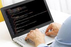 Top 7 FRAUDE INFORMATICE. Care sunt cele mai EFICIENTE măsuri împotriva INFRACTORILOR din online
