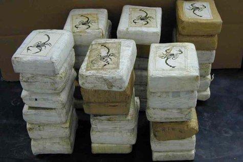 Capturi de zeci de kilograme de DROGURI la graniţele României. Cocaina, canabisul şi heroina, cele mai TRAFICATE stupefiante