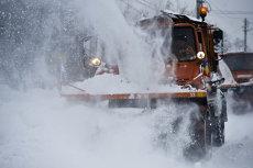 NINGE ÎN BUCUREŞTI. Meteorologii anunţă frig, vânt şi zăpadă în week-end