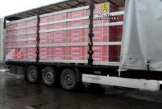 UN MILION de pachete de ŢIGĂRI, găsite printre plăci de RIGIPS şi vată minerală, la vama Siret