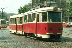 """Tramvaiele DE EPOCĂ vor DEFILA în centrul Capitalei. Călătorii vor putea călători cu un """"bătrânel"""" vechi de peste 60 de ani"""