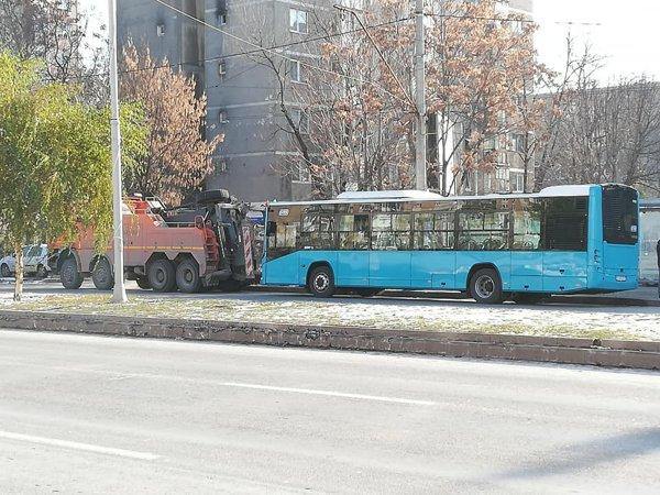 Au început să sară siguranţele la autobuzele turceşti cumpărate de Primăria Capitalei