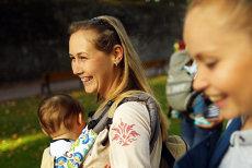 Părinţii ar putea primi GRATUIT un pachet-trusou pentru bebeluşi