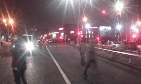 CNAIR a inaugurat, noaptea şi cu întârziere, un tronson de 3,3 kilometri din autostrada A3