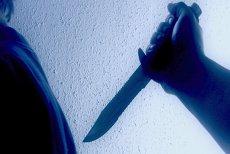 Un tânăr L-A ÎNJUNGHIAT pe viceprimarul unei comune din IAŞI: S-ar fi luat de fiica sa şi l-a TĂIAT pe burtă cu un cuţit