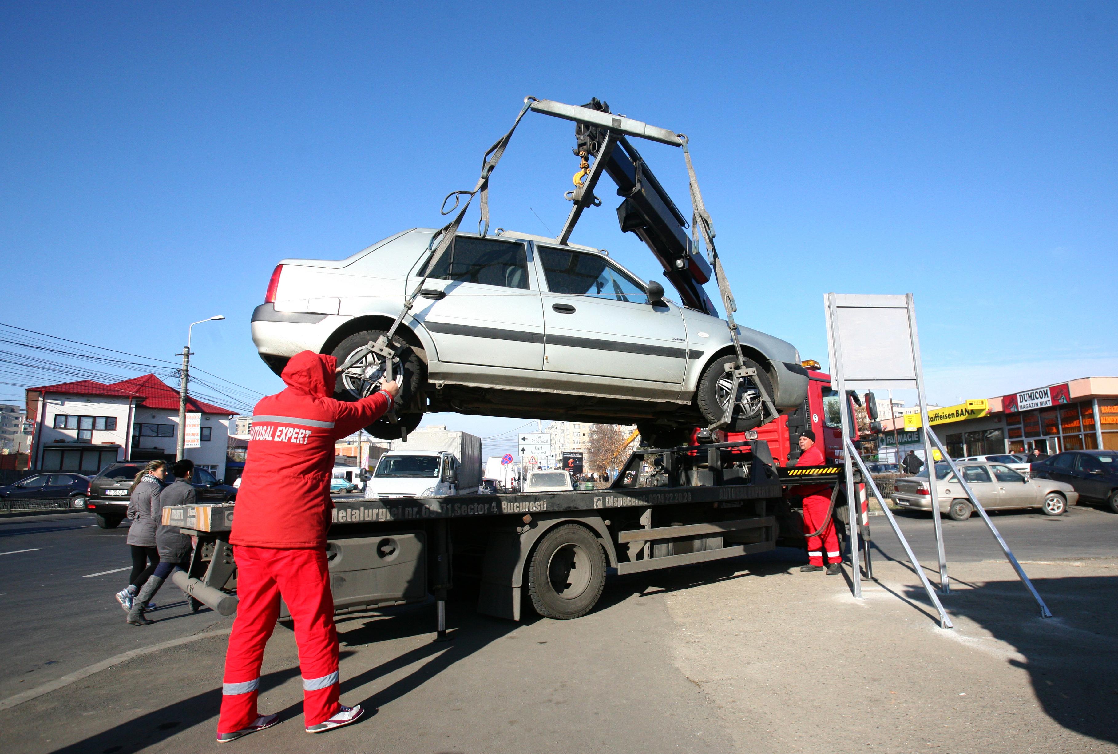 Capitala cumpără autospeciale pentru RIDICAREA autovehiculelor parcate NEREGULAMENTAR