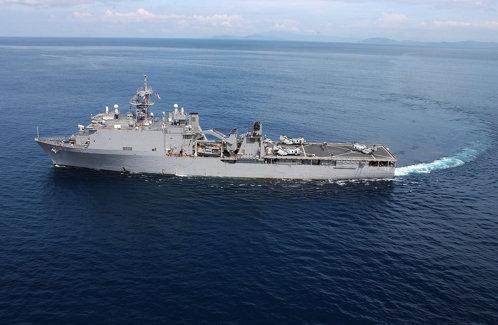 Povestea navei militare americane care nu are voie să intre în niciun port, dar a vizitat recent România. O BOALĂ virală a izbucnit la bordul vasului care găzduieşte 700 de persoane