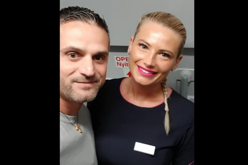 Gestul superb al unei stewardese din Cluj a impresionat un pasager: Îngerii există, iar eu am întâlnit unul