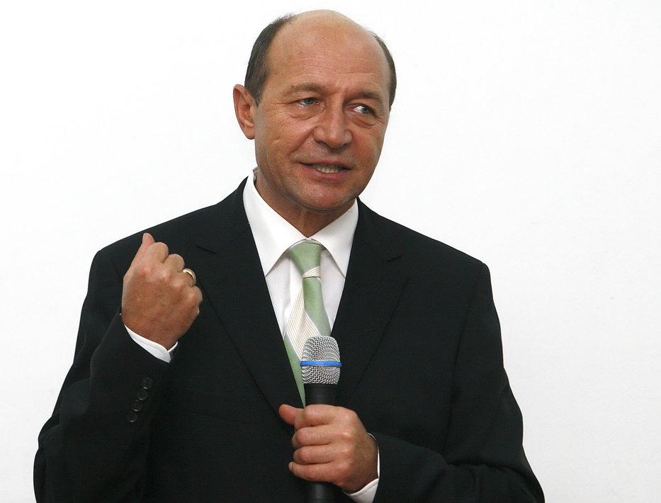 Băsescu îi cere lui Tăriceanu să anuleze taxa auto - UPDATE 3 - VIDEO