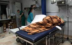 """Infirmierele către bolnavele care au stat 10 ore lângă un cadavru: """"Duceţi voi moarta la morgă!"""""""