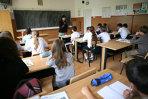 O profesoară din Arad a fost reclamată la Poliţie după ce i-ar fi rupt mâna unei eleve. Profesoara fusese dată afară de la o altă şcoală pentru agresiuni similare
