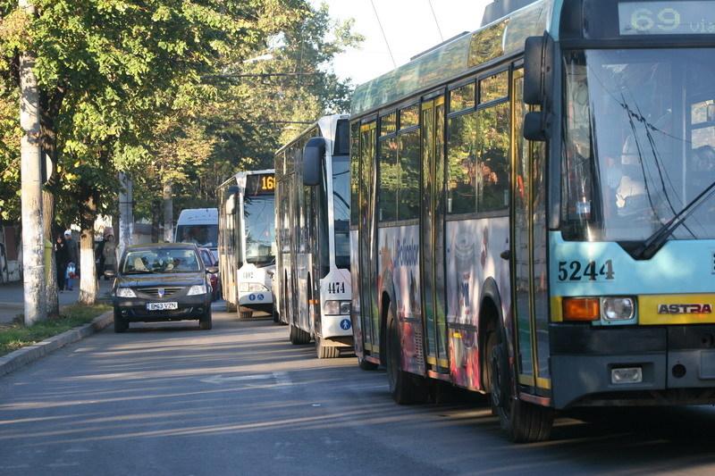 Harta noilor trasee ale autobuzelor şi troleibuzelor: Zeci de mijloace de transport circulă deviat