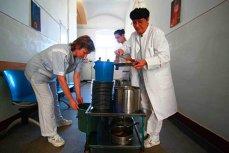 Coplata pentru serviciile medicale intră în linie dreaptă. Românii vor scoate bani în plus din buzunar cel târziu din iulie 2011. Opt milioane însă sunt exceptaţi