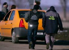 AVEREA unui şef de tură la vama Moraviţa - CINCI CASE, TERENURI DE 40 DE MII DE METRI PĂTRAŢI