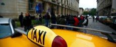 UCIS PENTRU UN LOC DE PARCARE. Un taximetrist a fost lovit de un tânăr de 22 de ani cu picioarele în cap până a murit VIDEO