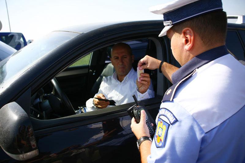 Folosirea în România a maşinilor înmatriculate în Bulgaria ar putea fi limitată la 90 de zile. Vezi argumentele Poliţiei Române
