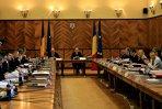 Coaliţia nu este de acord cu anticipate, motivând că procedura ar fi încheiată în septembrie