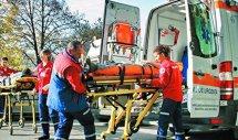 ACCIDENT cu trei răniţi în judeţul Buzău. Un tir s-a răsturnat şi a acroşat două autoturisme