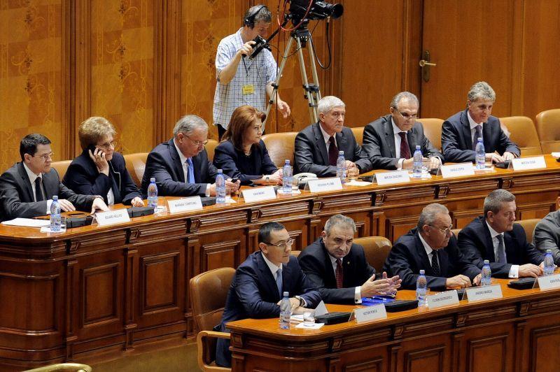Şedinţă de Guvern sâmbătă pentru hotărârile de organizare a referendumului