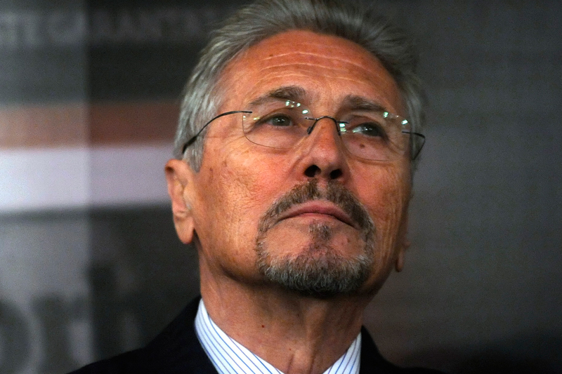 Emil Constantinescu îi scrie preşedintelui Parlamentului European, acuzând presiuni asupra României venite de la Reding şi Barroso