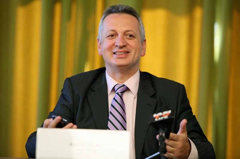 Relu Fenechiu, ministrul Transporturilor în GUVERNUL PONTA II, de la fraude cu transformatoare, la reţeaua drumurilor naţionale